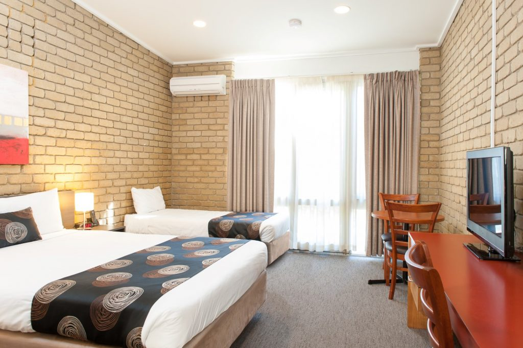 Standard Twin Accommodation in Bairnsdale - Mitchell on Main