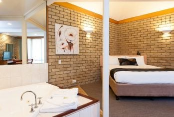 Standard Spa Accommodation in Bairnsdale - Mitchell on Main