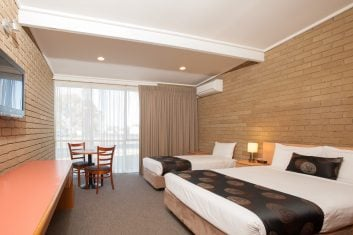 Standard Twin Room Accommodation in Bairnsdale - Mitchell on Main